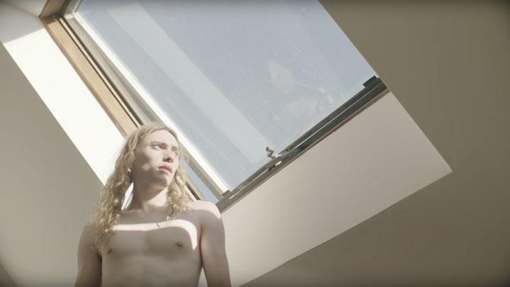 Zeitgeist Zeitgeist -  - Lexie Roth Hanging Around