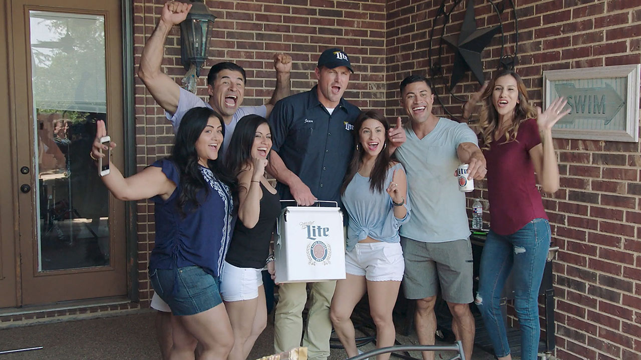 Beer Delivery with Jason Witten — Miller Lite